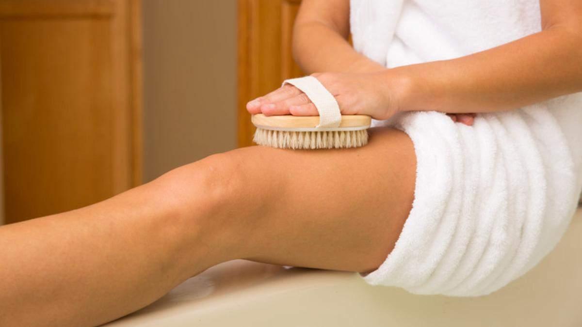 Сухой массаж щеткой: как правильно делать, его преимущества и недостатки