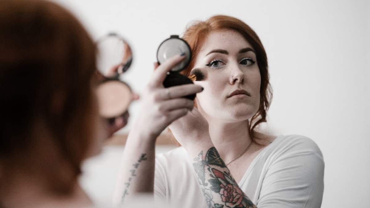 Как делать макияж пальцами: советы эксперта и фото