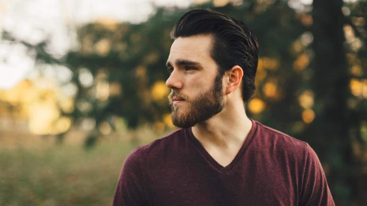 Чи потрібно чоловікам голити бороду на карантині: пояснення дерматолога