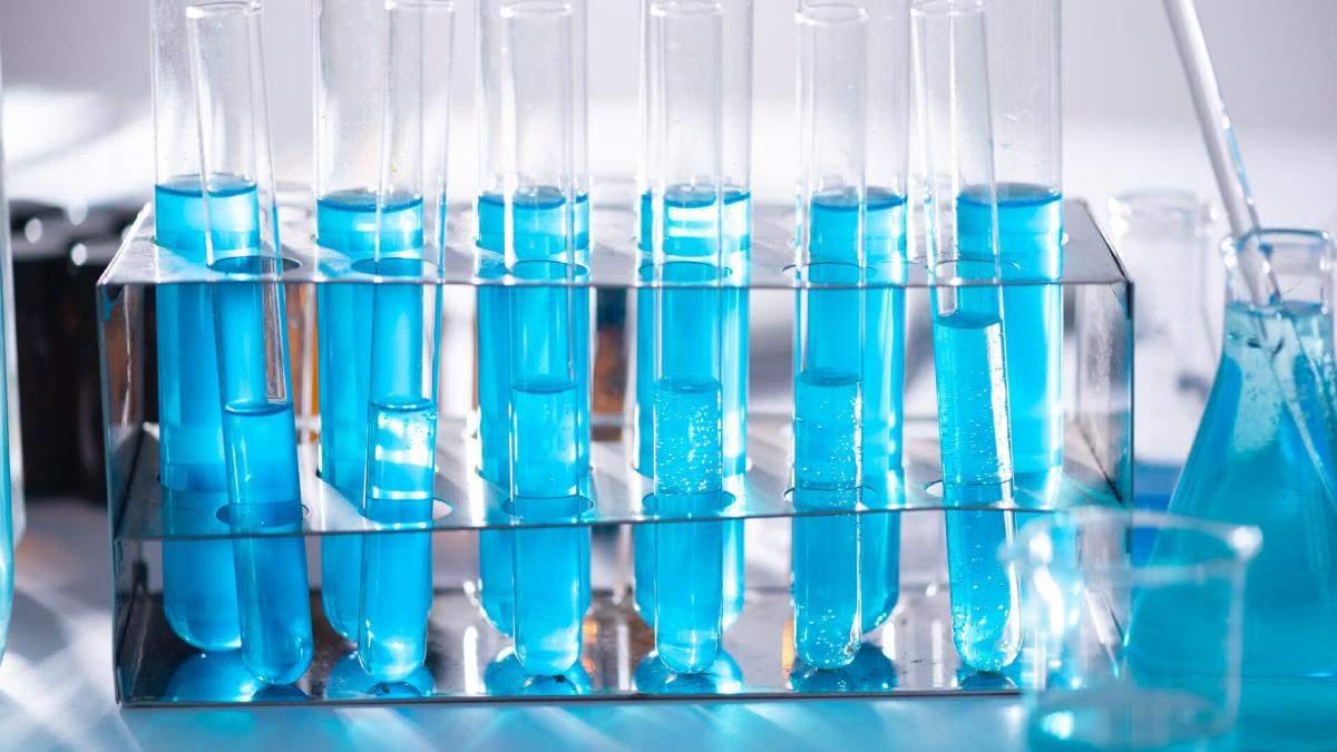 Хто створює косметику: все про роботу хіміків-косметологів