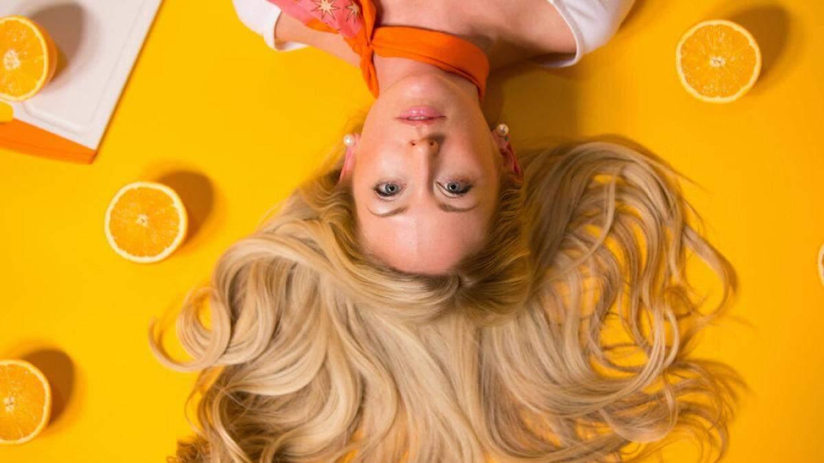Чи можна мити волосся перед фарбуванням: пояснення та фото