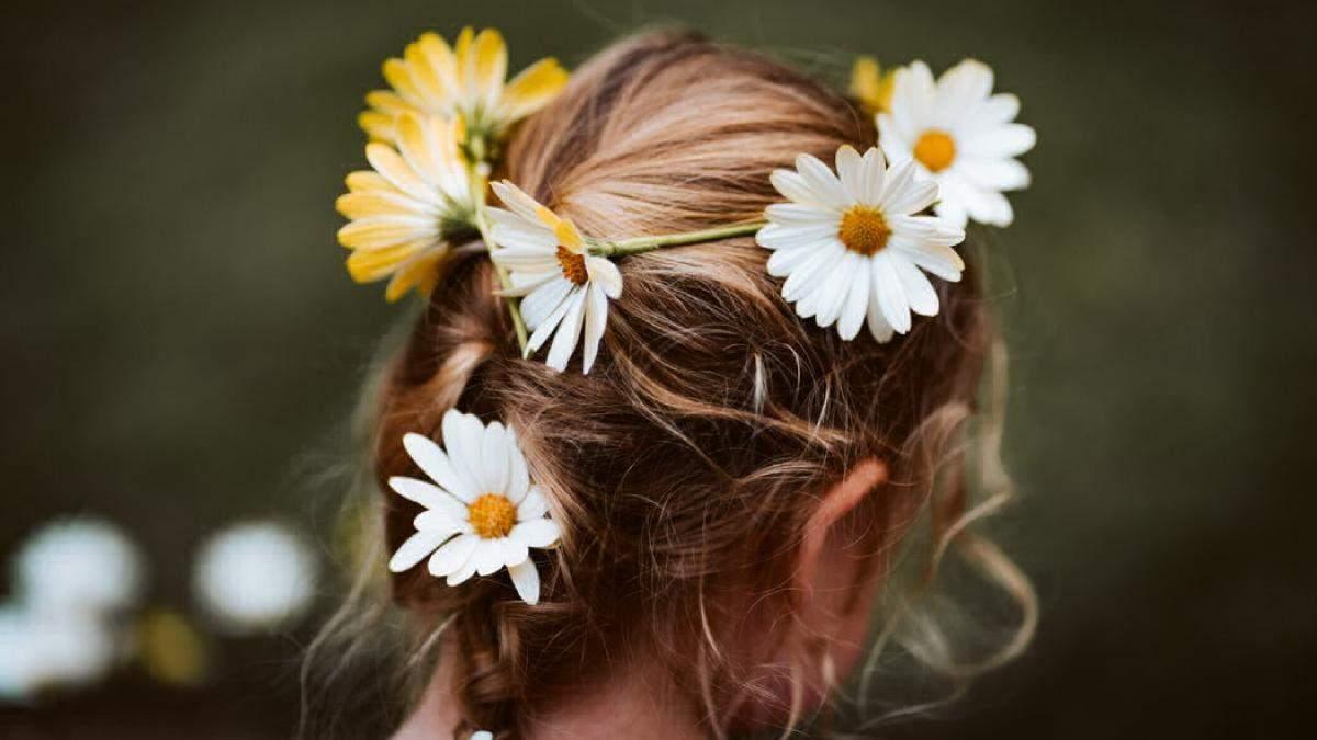 Як заплести косички доньці: дитячі зачіски на фото