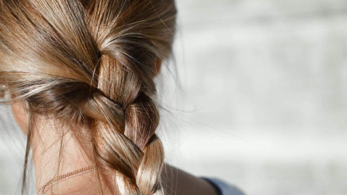 Чому швидко жирніє волосся та як продовжити свіжість волосся