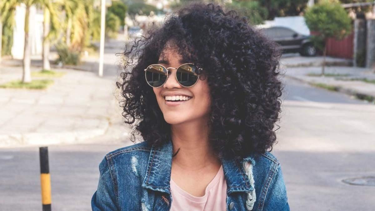 Как ухаживать за вьющимися волосами: советы и рекомендации