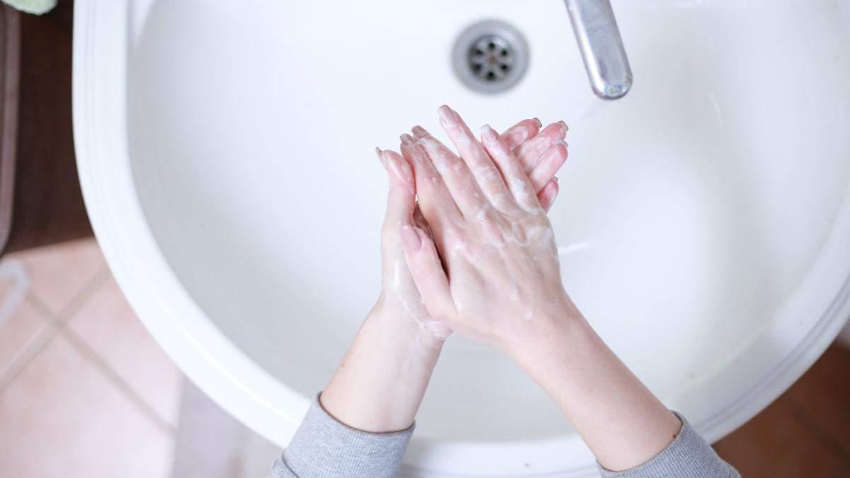 Як правильно доглядати за шкірою рук в домашніх умовах