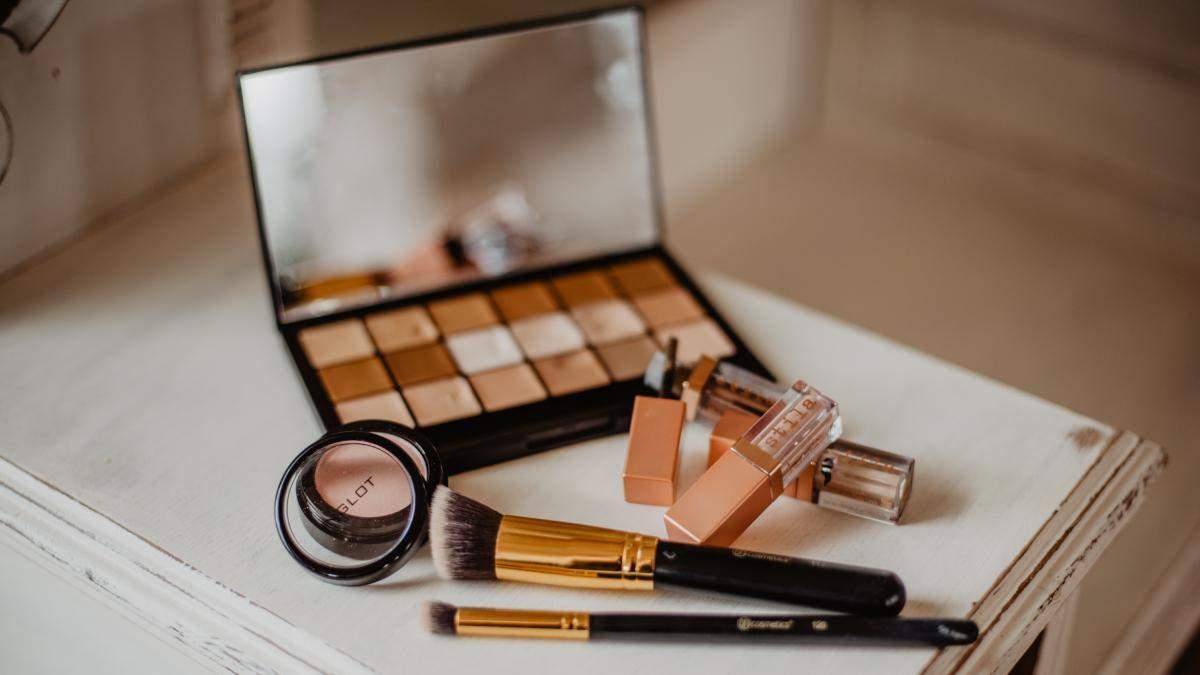 Сколько украинцы тратят на косметику и чем делают макияж