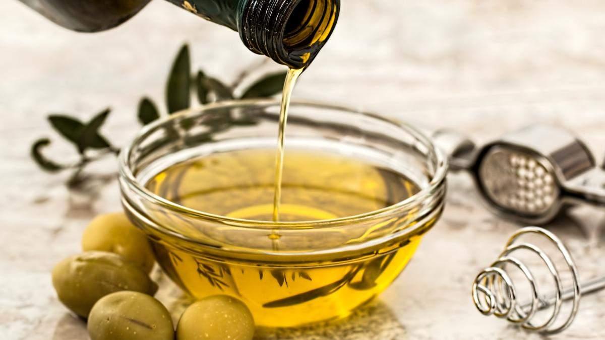 Оливкова олія для догляду за волоссям: користь, властивості та поради