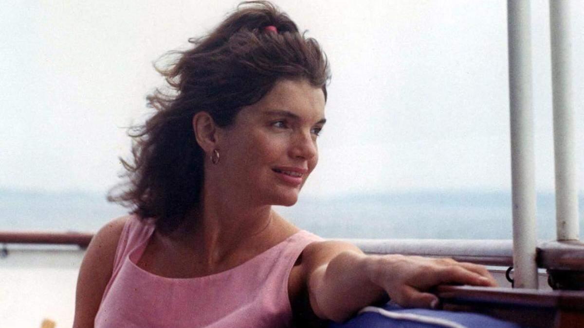 Секреты красоты Жаклин Кеннеди: ополаскивателя зубы и красила губы