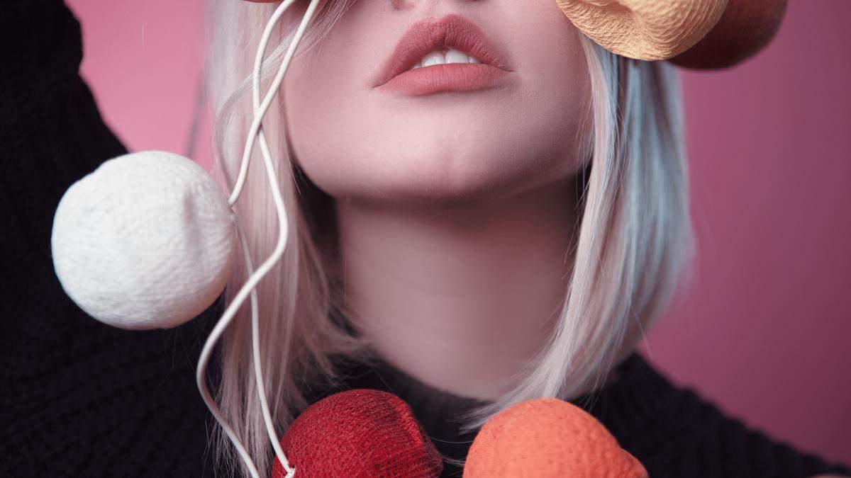 Как бороться с сухостью губ: советы эстетиков