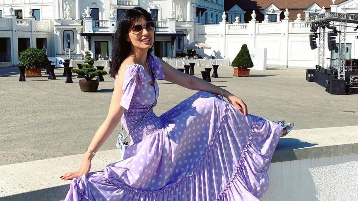 Маша Ефросинина без макияжа показала омолаживающий массаж
