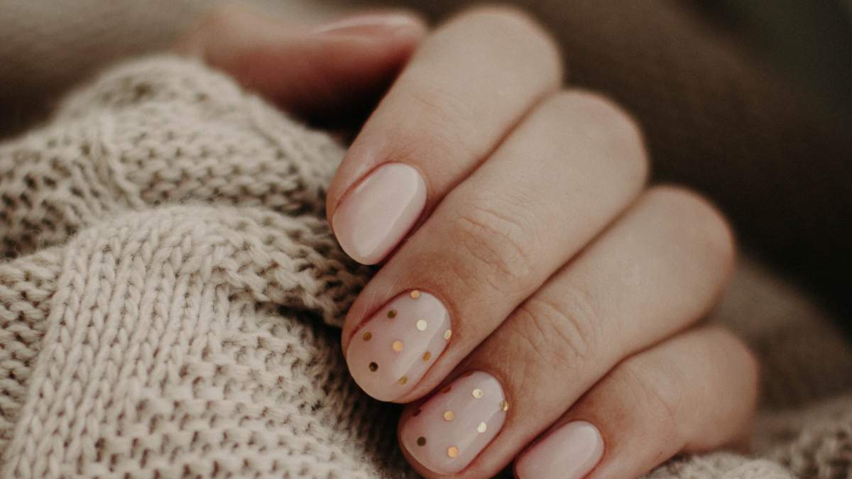 Чи потрібно нігтям відпочивати від гель-лаку: ознаки та догляд
