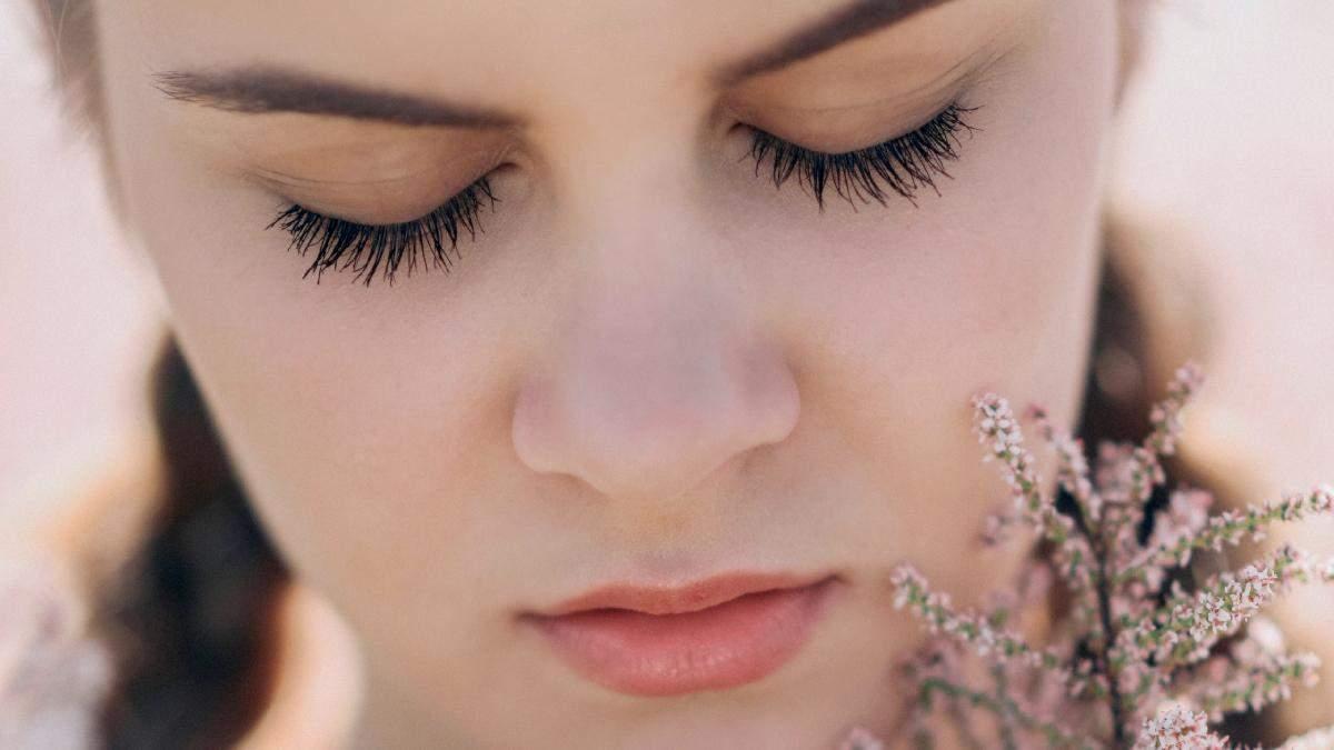 Эффект нарощенных ресниц: как правильно красить ресницы тушью