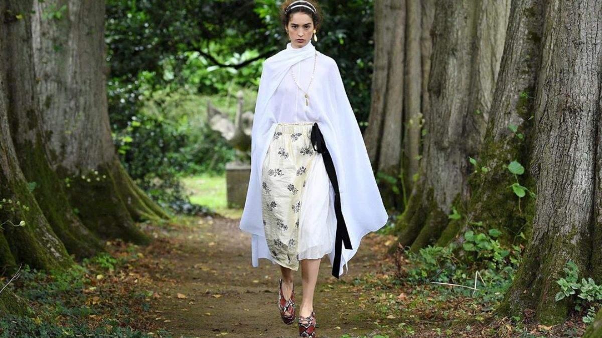 Воспаленные ветром щеки: какую кожу модно иметь осенью 2020