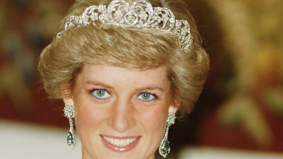 Королевский макияж: как повторить голубые стрелки принцессы Дианы