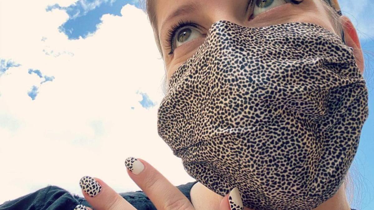 Маникюр и маски для лица: мастера удивляют нейл-дизайном
