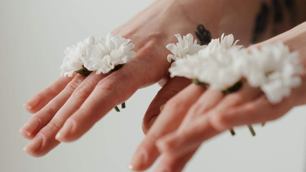 Як доглядати за шкірою рук взимку: терапія, живлення, зволоження