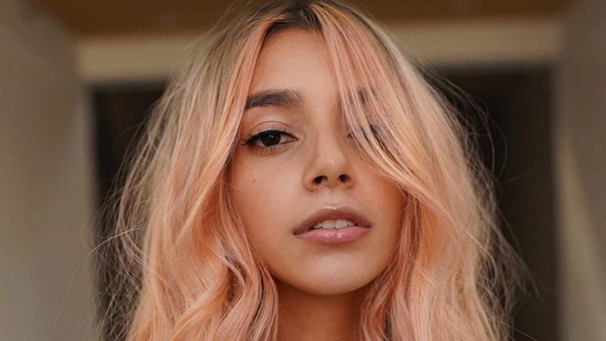 Нова техніка фарбування волосся у різні кольори – тренд для сміливих