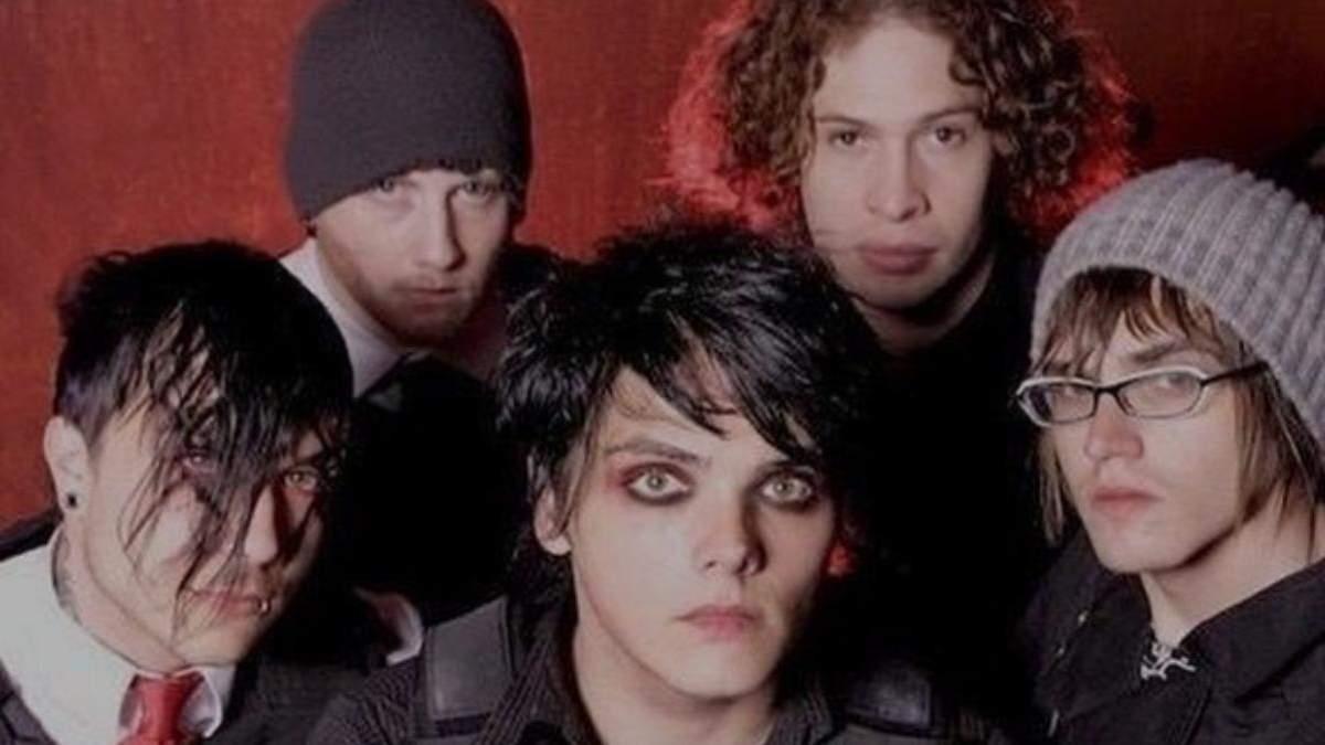 Повернення емо-макіяжу: гурт My Chemical Romance випустить символічну лінійку косметики