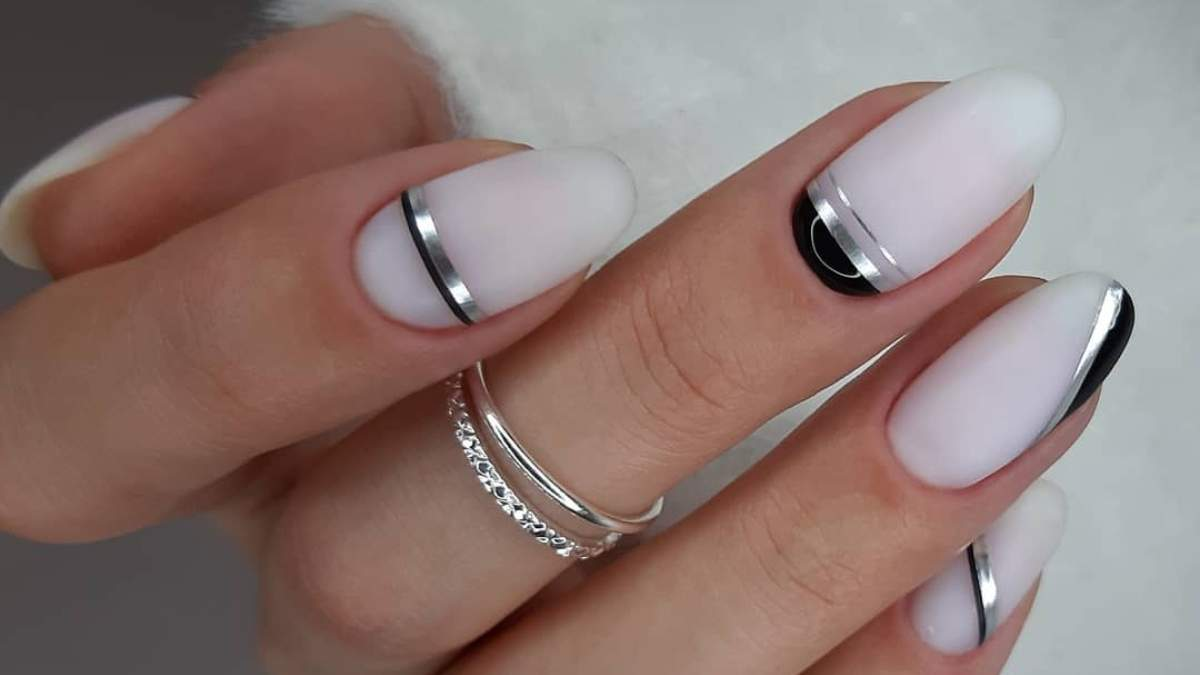 Маникюр в стиле Ход королевы: идеи для черно-белого дизайна ногтей