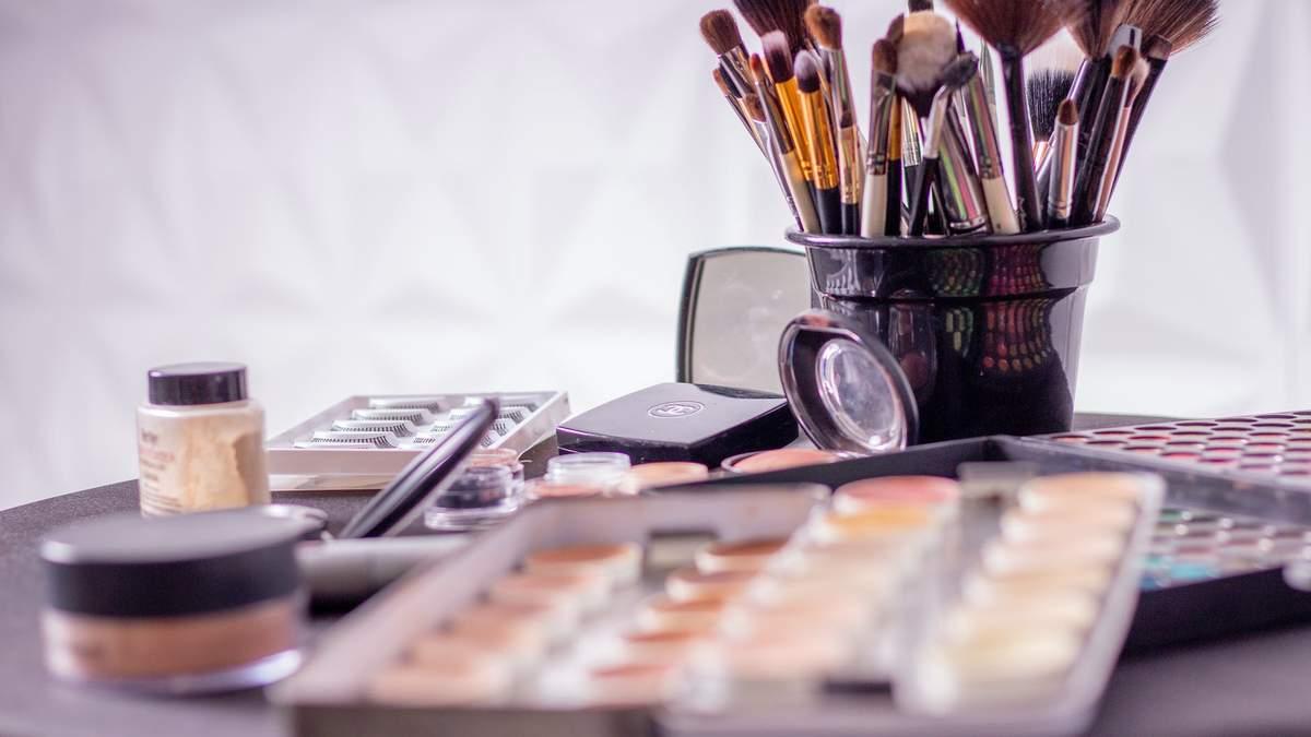 Список ингредиентов, из которых изготавливают косметику