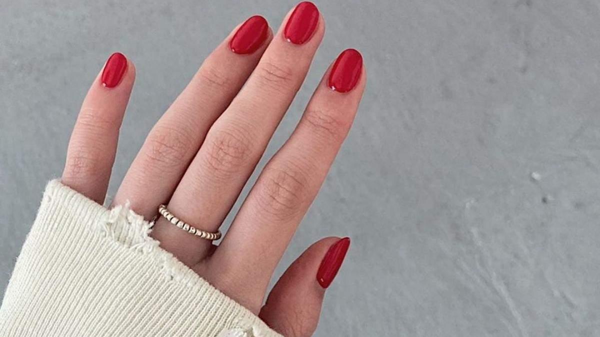 10 стильних варіантів манікюру з червоним лаком