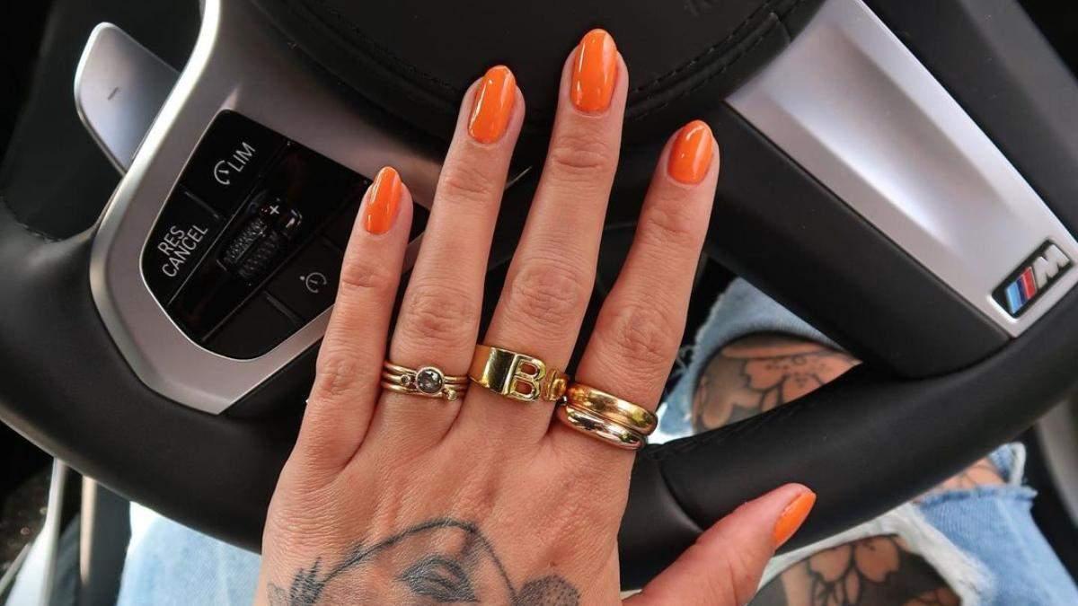 Сочный оранжевый: 10 идей для модного маникюра в апельсиновых оттенках