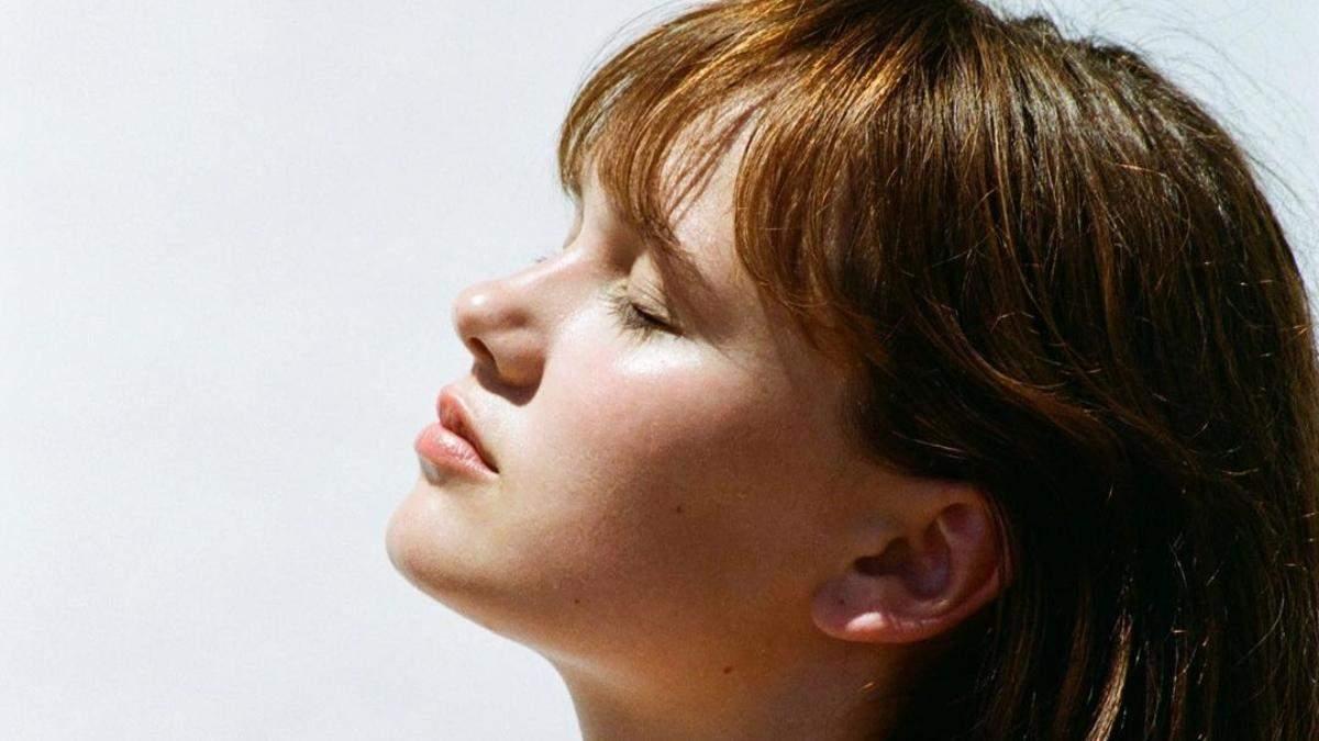 Чому шкіра сохне: неправильне зволоження – помилки у догляді