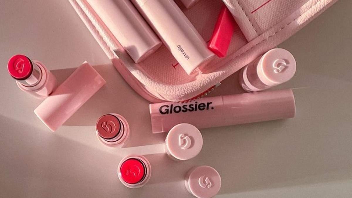 Glossier представили 9 відтінків нової помади