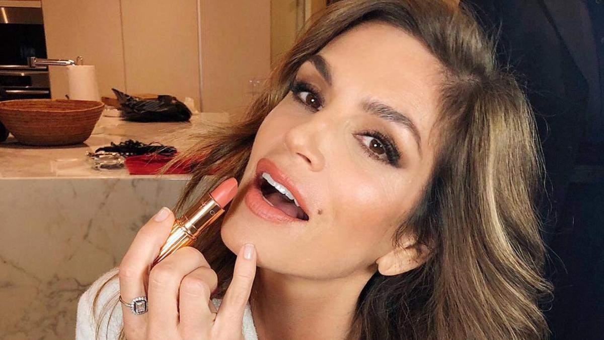 Как омолодить лицо с помощью макияжа: лайфхаки