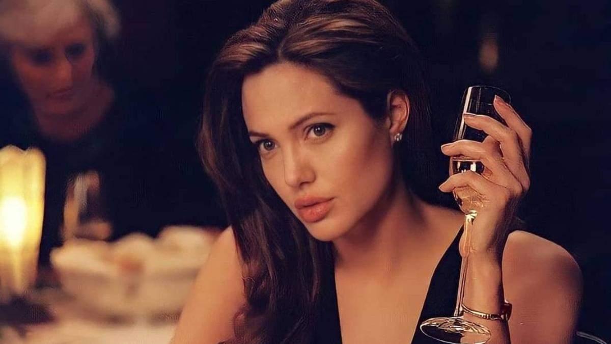 Анджеліні Джолі – 46: б'юті-образи зірки, які завжди в моді