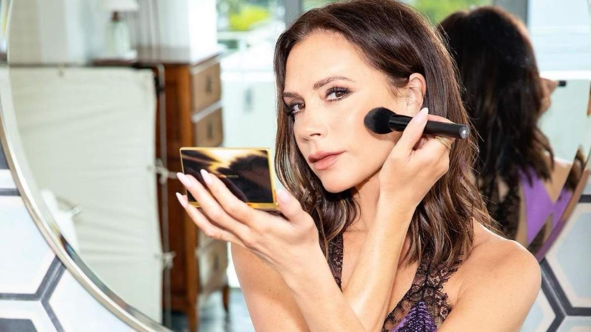 Как Виктория Бекхэм в 47 выглядит молодой: секреты красоты