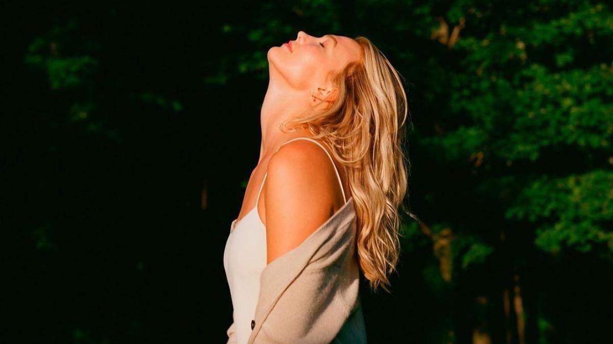 Стильные оттенки для светлых волос: блондинкам понадобится – фото