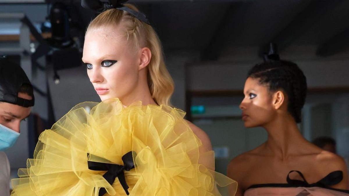 Диктують модні бренди: 5 головних трендів осені 2021 в макіяжі - Краса