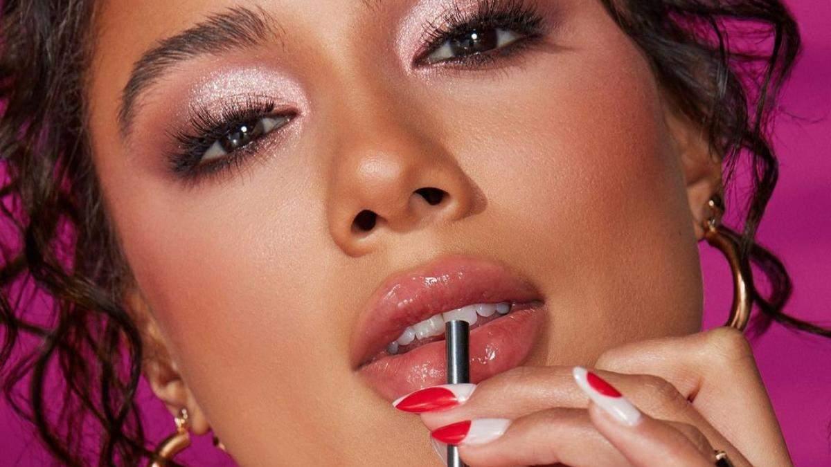 Посвятили вишневой Coca-Cola: какую интересную косметику выпустил бьюти-бренд Morphe