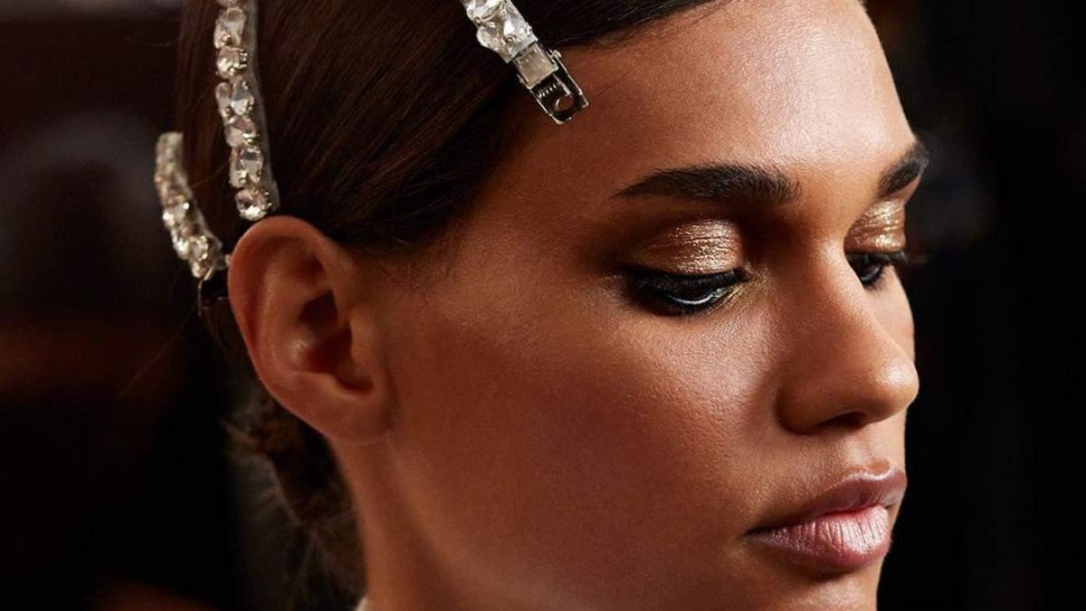 Макіяж на вухах і кольорові брови: 6 головних б'юті-тенденцій Тижня моди в Нью-Йорку - Краса