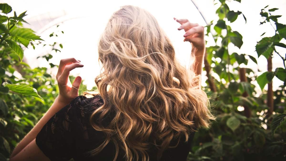 7 перевірених способів, як зберегти красу вашого волосся цієї осені - Краса