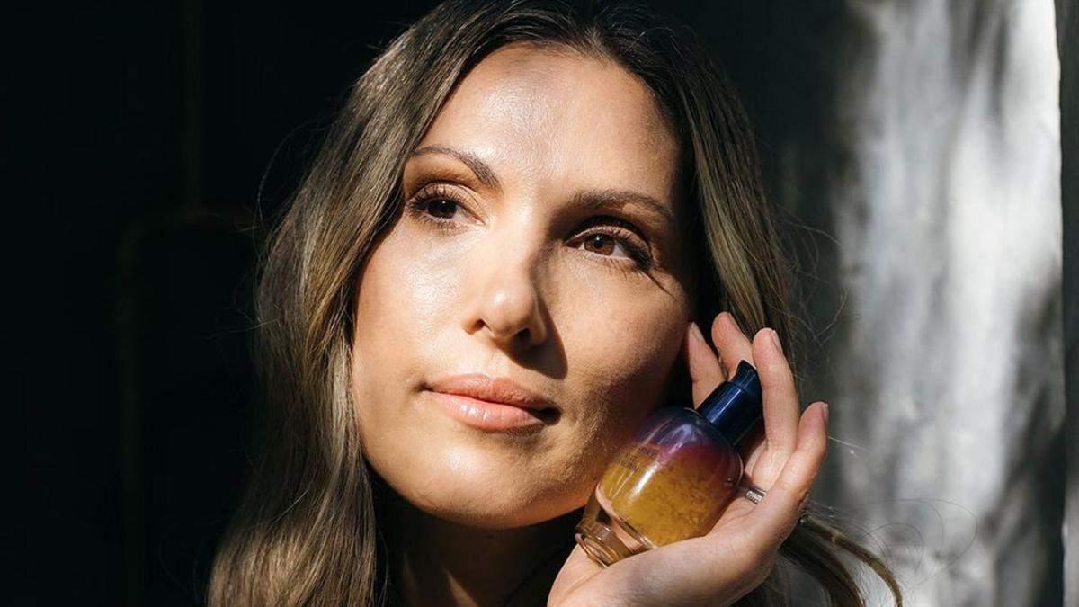 Спирт у складі косметики сушить шкіру чи ні: небезпека і користь інгредієнта - Краса
