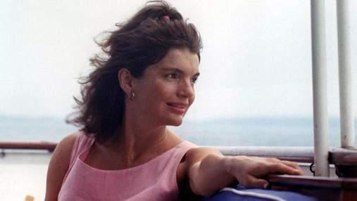 Ополіскувала зуби і яскраво фарбувала губи: секрети краси Жаклін Кеннеді