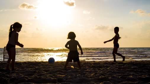 Небезпека від сонця: дерматологиня пояснила, чим може загрожувати засмага – відео