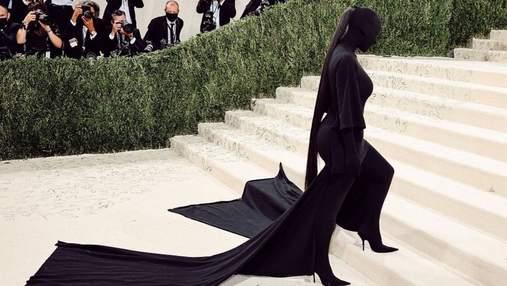 Конский хвост за 10 000 долларов: почему прическа Ким Кардашян на Met Gala столько стоила